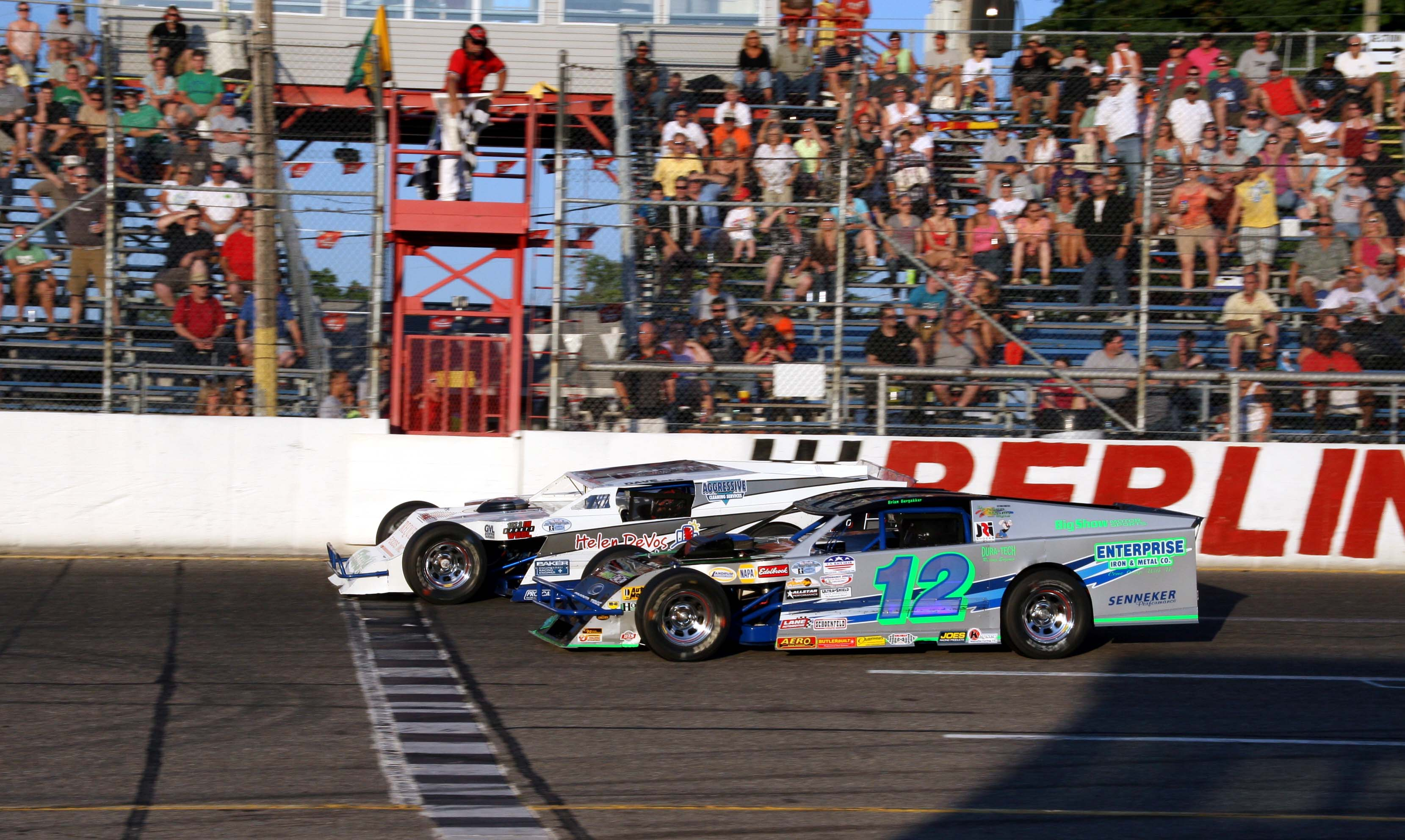 Dave Lake Beats Brian Bergakker To The Line In The Closet Modified Finish  To Date: 2011 ...